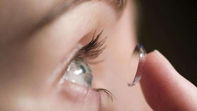 云镜台:近视又散光,为什么隐形眼镜矫正更好?