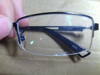 眼镜片崩边会影响视力吗?看完5个原因,你就有结论了!