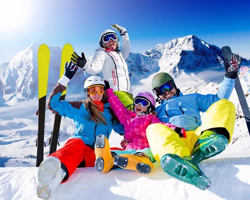 滑雪人群_高瑞品牌